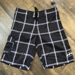 NWT Billabong Boardshorts 32